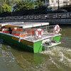 電動運河ボートと朝の散歩