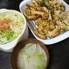 唐揚げ、白菜漬物、味噌汁