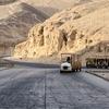 エジプト ルクソール 西岸 「王家の谷」到着、コンパクトな谷 たくさんの隣接した王墓