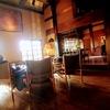 山荘無量塔のカフェTan's bar (タンズバー)で、名物の厚切りロールケーキ「Pロール」をいただく