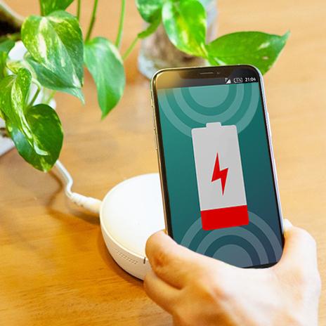 【解説】なぜケーブルなしで充電できるの? スマホのワイヤレス充電の仕組み