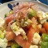 女子力高めなアボカドと揚げ玉の豆腐サラダ