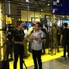 【東京ゲームショウ2019】PLAYISMにて試遊していたのですがどう見ても『Va11 Hall-A』開発者様がいらっしゃったんですよね