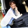 ハイエース200系のおすすめ車中泊グッズ、ベッドキットいらずフラットに眠れる「くるマット」のご紹介!
