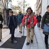 石川文洋さん、東京に到着