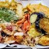 7種の天ぷら盛り合わせ(タコ、大葉、わさび菜、エリンギ、カラーピーマン、ナス、かぼちゃ)で居酒屋ごはん