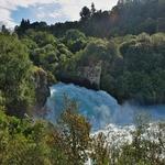「フカ滝(Huka Falls)」の爆水を真上から、真横からこれでもかと眺める!!