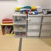 夫の仕事着置き場兼息子の洋服兼おもちゃ収納にスチールラックを購入しました
