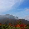 【越後駒ケ岳】果てしない稜線の先に待つ魚沼の王、夕陽が染め上げる極上の秋を楽しむ上信越第2弾の山旅