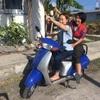 異国でバイクを乗り回す