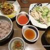 夏越ごはんと蒸し鶏サラダの定食  890円 (@ やよい軒 - @yayoiken_com in 豊島区, 東京都)