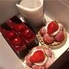 金沢市八日市「木のひげ」で赤と黒のシックなケーキ