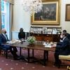 (海外の反応) 日本元首相「晩餐会を断られた菅首相、バイデンとの昼食会で可哀想」