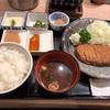 南幸 相鉄ジョイナスの「牛かつ もと村 横浜ジョイナス店」で牛かつ130g麦飯明太子とろろ定食