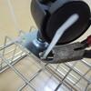 【無印のワイヤーバスケットに足し算したものは?】ダイソーのアレでラク掃除一直線。そのままではモッタイナイ!?