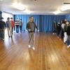 授業は社交ダンスから始まる    Herr Mecklenburg  tanzt mit uns!