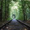 キエフからリヴィウへ 「愛のトンネル」へ男一人で虚しくいく