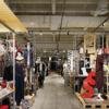 大量廃棄される衣料品 余剰在庫に挑む「ワールド」