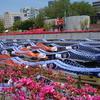 春の東京ドームシティ『空中を泳ぐ鯉のぼり』