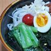 9月12日(土)昼食のサラダうどんと、焼鳥屋さんのシメの手羽先。