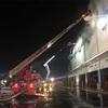 【速報】三芳町のアスクル倉庫で火災!〜発生から12時間経っても鎮火せず