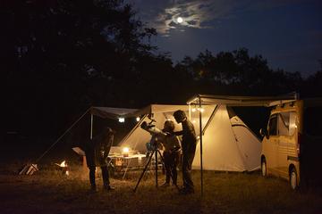 小雀陣二流、N-VANで作る大人キャンプ~DIY×天体観測の秋合宿!【前編】