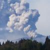 霧島連山・新燃岳が爆発的噴火!!一時2,100mまで噴煙が立ち上る!