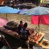 バンコクから1 Day Trip!アンパワー水上マーケット: 昼編 - 太陽と麺とフルーツと@タイ