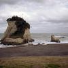 津々ヶ浦の夫婦岩と秋元牧場
