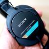 【初めてのモニターヘッドホン】青帯と呼ばれる「SONY MDR-7506」をチョイスした理由。