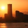 港町に沈む夕陽