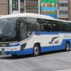 東名ハイウェイバスでやってくるJRバス関東の車両