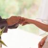 男性介護職の結婚は職場の看護師,介護士が狙い目,年収300万円でも全然大丈夫!年収,年代別,職場結婚について考察