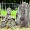 古いお寺の境内にのこる墓碑群 福岡県宮若市黒丸