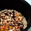 一合炊飯:タコ、エビ、ギンナン、シイタケなど多目の具材で炊き込みごはん