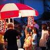 お盆の夜の伝統行事!忠岡町の墓店で食べ歩きしてきました