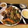 天王町の「食いしん房」で牛バラ肉かけご飯セット