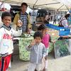 【喜界島へにっぽん丸寄港】子供たちにも大人気の潤命青汁