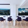 壁掛けアートフレームでおしゃれなモノトーン、北欧風に。人気のファブリックパネルをモダン、アンティークな部屋にインテリアコーディネイト。アートパネルの写真や絵、イラストの飾り方で空間をデザイン。