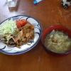 幸運な病のレシピ( 570 )朝;仕立直しキムチ炒め、イカ一夜干し(自作)、キャベツ味噌汁