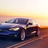 Tesla発の電気自動車、3種類。