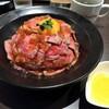 秋葉原でローストビーフ丼