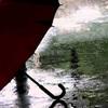 この季節にぴったりの曲「雨に微笑を」