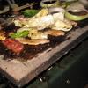 キャンプ飯 美味しい焼肉をするには溶岩プレートがいいらしい。