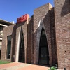 開放感あふれる広い空間と、シンプルでキュートなインテリアに囲まれ居心地抜群。798芸術区に移転オープンしたSuch A Cafe