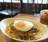 早朝6時30分からガツ盛りいきます! 大盛=2人前のカレースパゲティーがすごい「喫茶チロル」【京都】