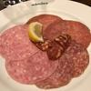7月23日【昼のソト飲み】ビヤレストラン ミュンヘン、サラミの盛合せ、ガーリックトースト。