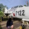 ウィンウィン記念碑のMiG-21UM(プノンペン)
