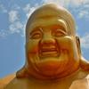 「台中 宝覚禅寺」~この大きな黄金に輝く大仏様のにっこりと微笑んだ表情に癒される!!