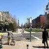 大通公園の昼下がり、北海道ならではの人と握手をしてしまった